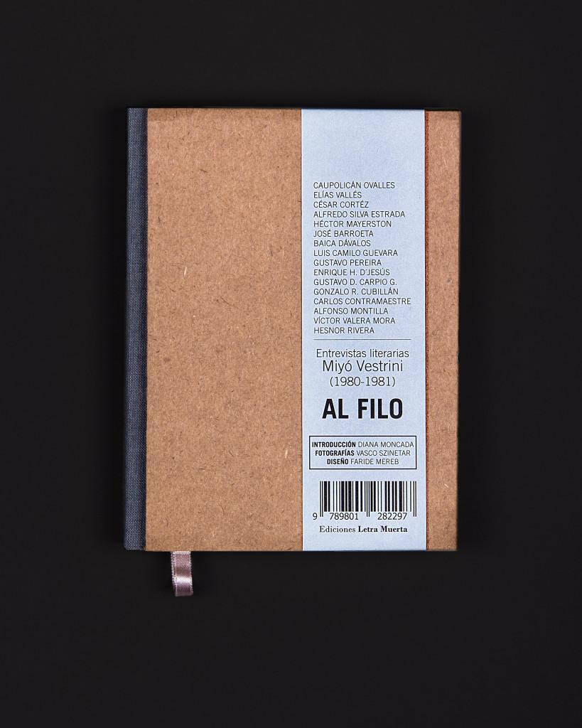 Lomo cuadrado, tapa dura de cartón corrugado con cinta de papel biblia