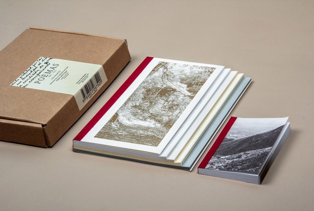 Caja y dos tomos. Libros numerados.