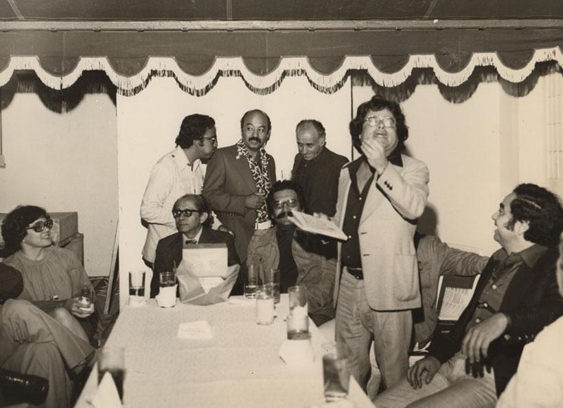 En celebración del grupo La República del Este, con Caupolicán Ovalles. Archivo familiar.